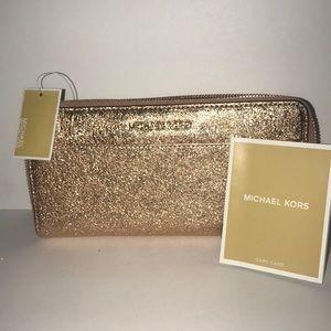 Micheal kors soft pink Wallets